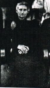 Josephine L McDaniel c 1906